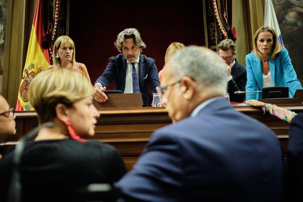 Primer pleno de la legislatura canaria