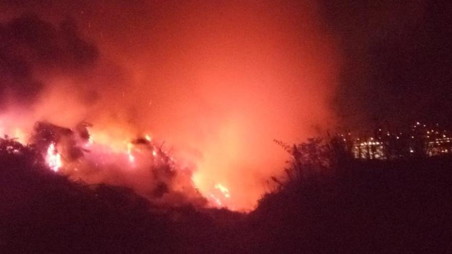 Declarado un fuego en una planta de compostaje en Figueiroa