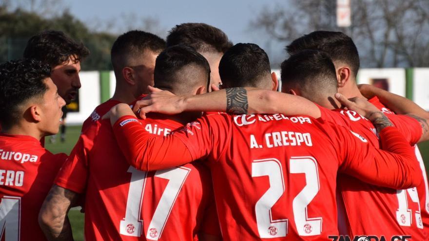 Un liderato muy merecido para el Zamora CF tras ganar en Guijuelo