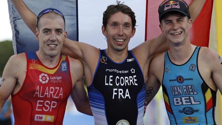 Alarza conquista la medalla de plata en el Europeo de triatlón
