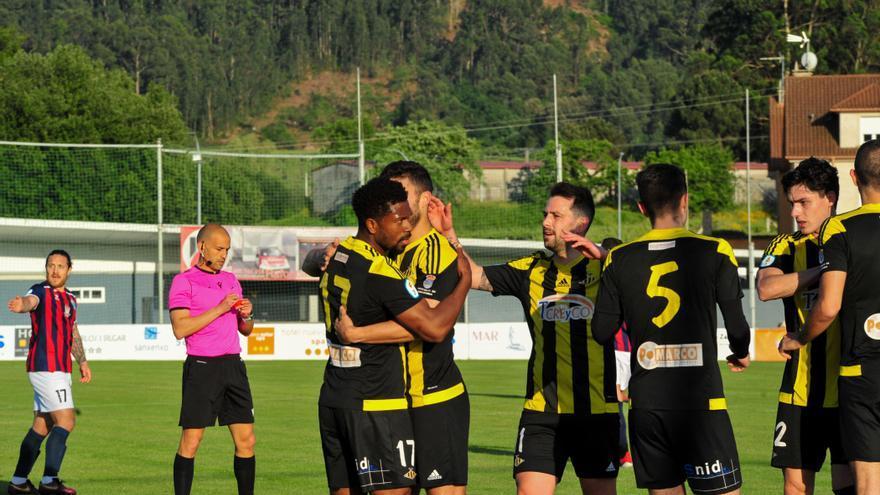 El Ribadumia se hace fuerte en A Senra con un triunfo clave ante el Estudiantil (2-0)