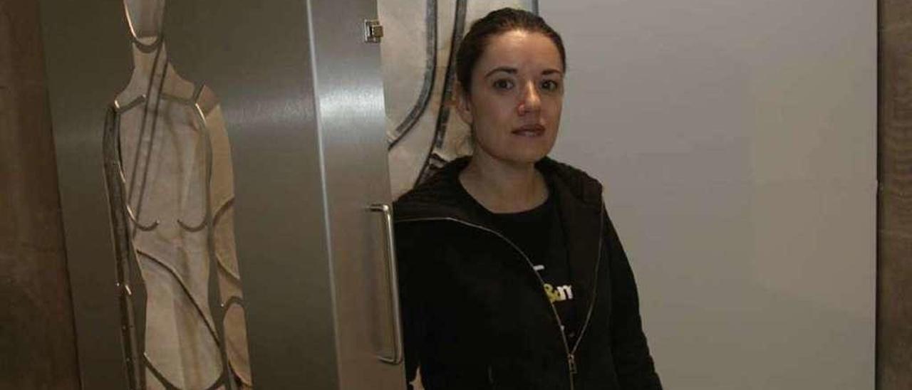 Esther Pizarro, en su exposición en el Museo Barjola de Gijón.
