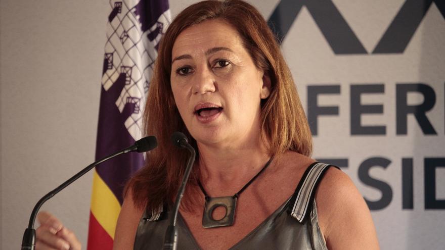 """Francina Armengol: """"La prioridad  es la de salvar vidas y en ello no nos temblará el pulso"""""""