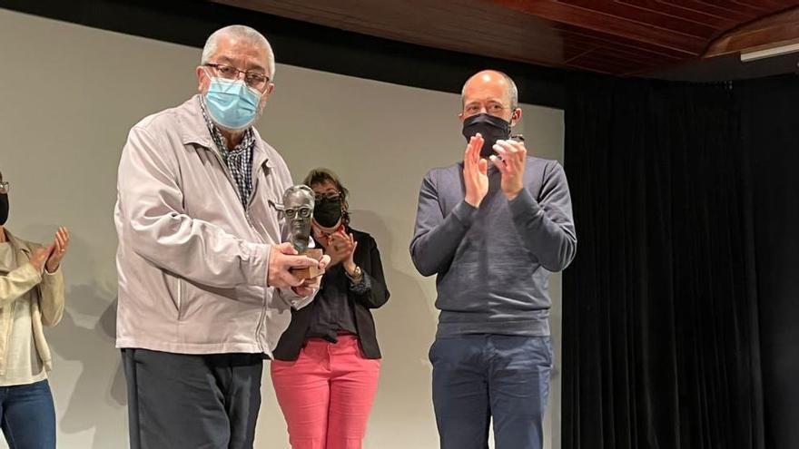 Àlvar Valls guanya el premi Amat-Piniella amb l'obra «Entre l'infern i la glòria»