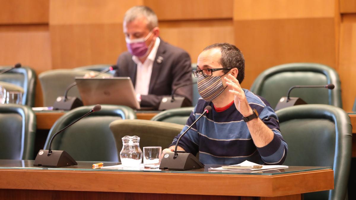 Alberto Cubero, en una comisión de Hacienda en el salón de plenos.