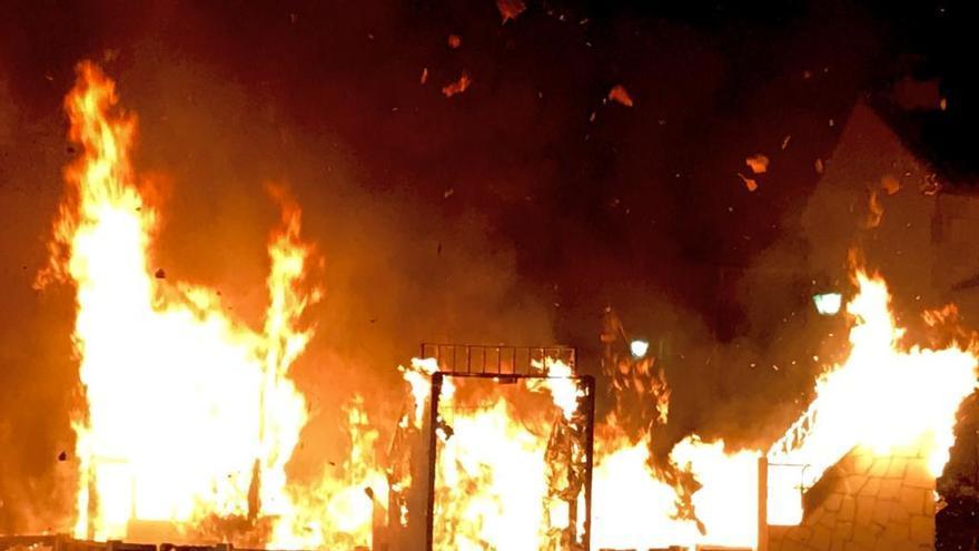 """Pamis le """"prende fuego"""" a la plaza de toros"""