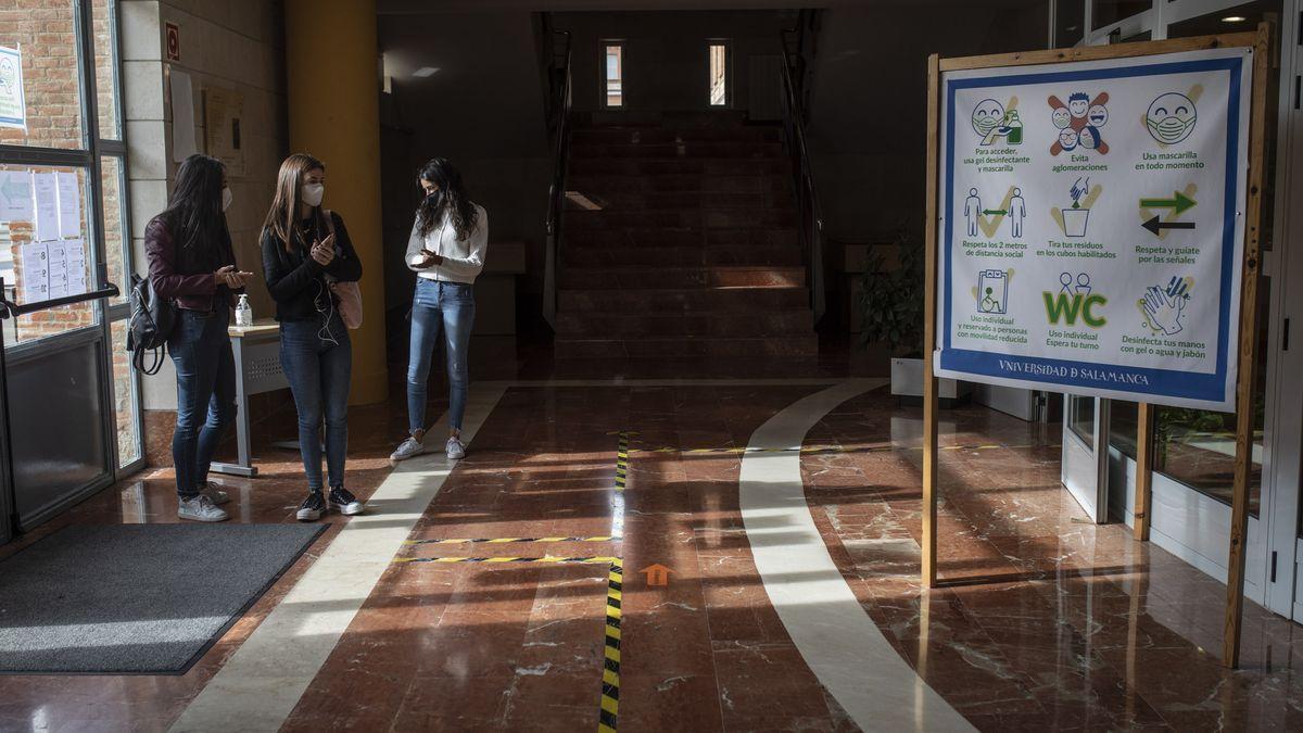 Jóvenes en el Campus Viriato de Zamora.