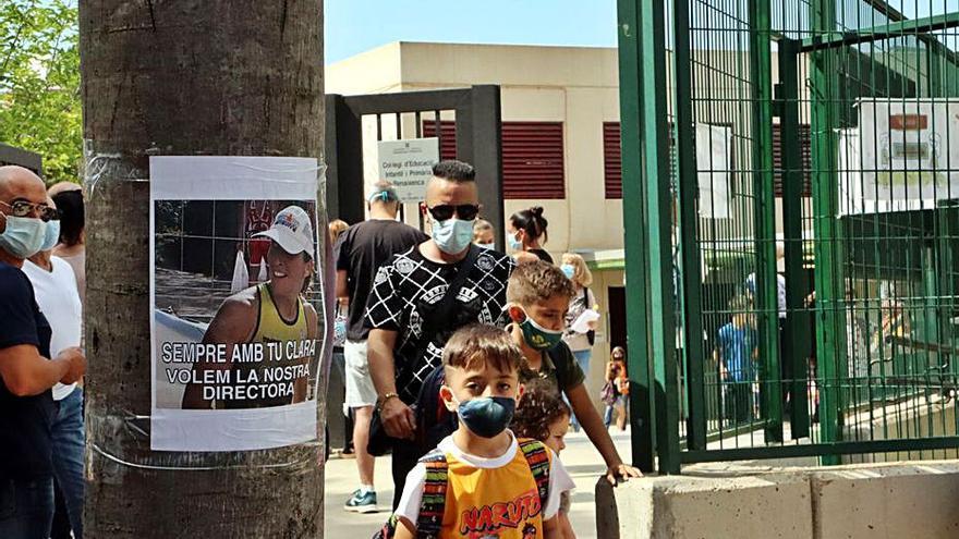 Els pares dels Hostalets surten en defensa de la directora de l'institut