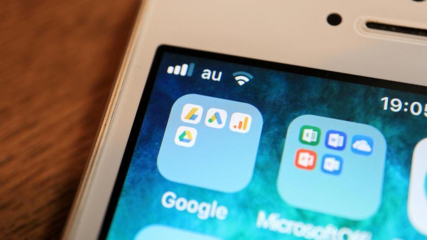Google retira siete aplicaciones para espiar a los empleados, la pareja y los hijos