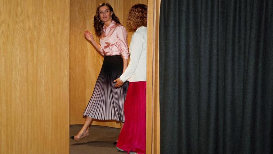 La Reina Letizia sorprende con una falda de la firma favorita de Kate Middleton