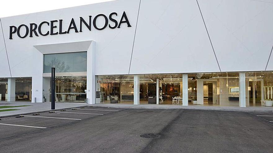 La firma Porcelanosa renueva por completo su tienda de Madrid