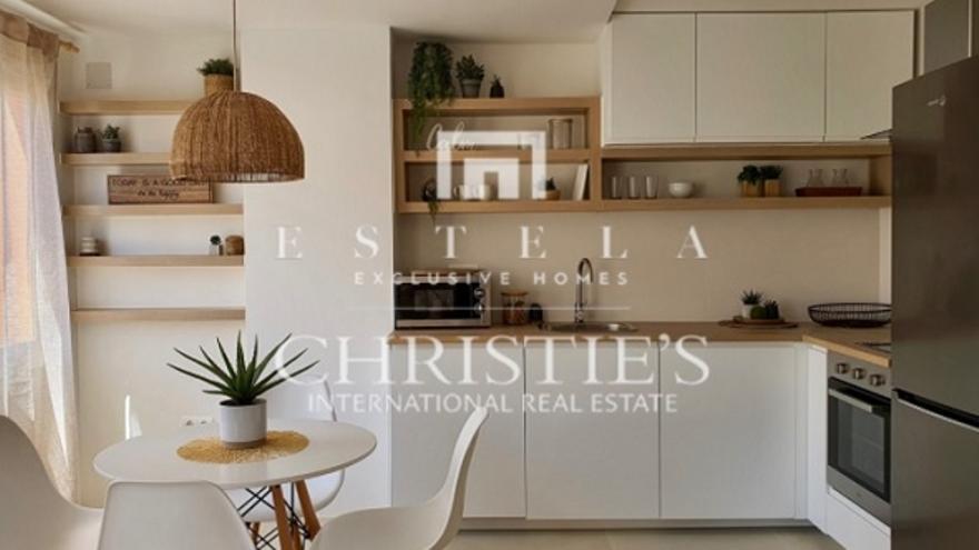 ¿Estás pensando en comprar un apartamento en Ibiza? Podemos ayudarte