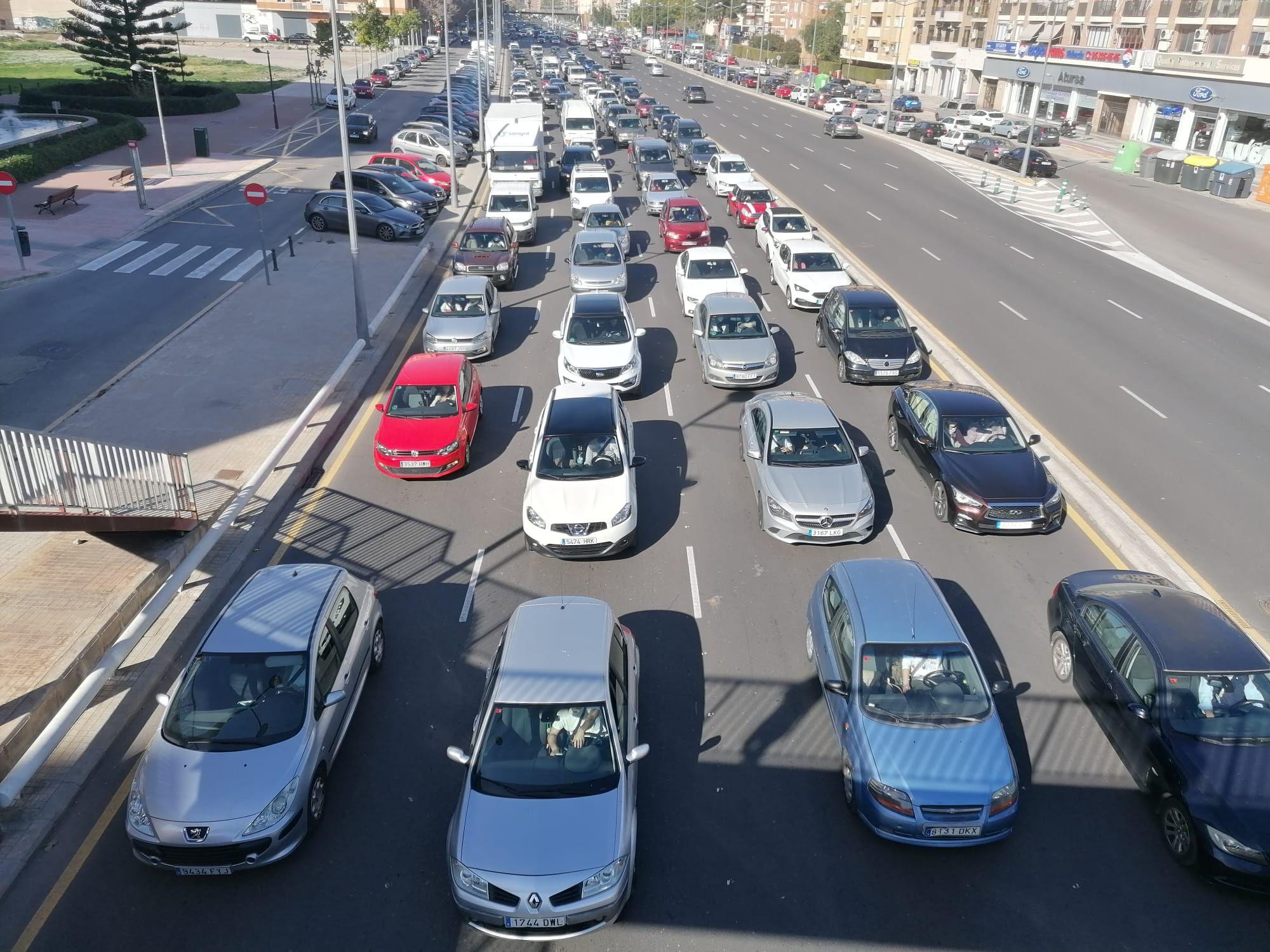 Cierre perimetral de Valencia: atascos en las salidas de València