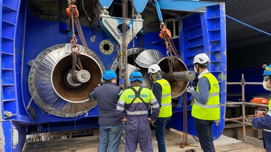 El 'Bentago Express' vuelve al mar tras tres meses de trabajos en Astican