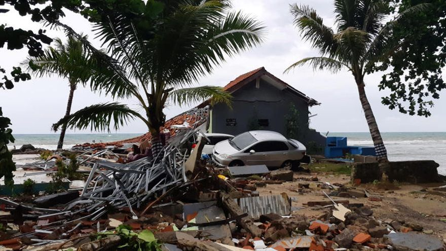 La xifra de morts pel tsunami d'Indonèsia puja a 373
