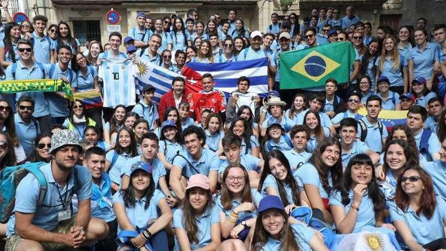 Doscientos hijos de emigrantes peregrinan a Galicia