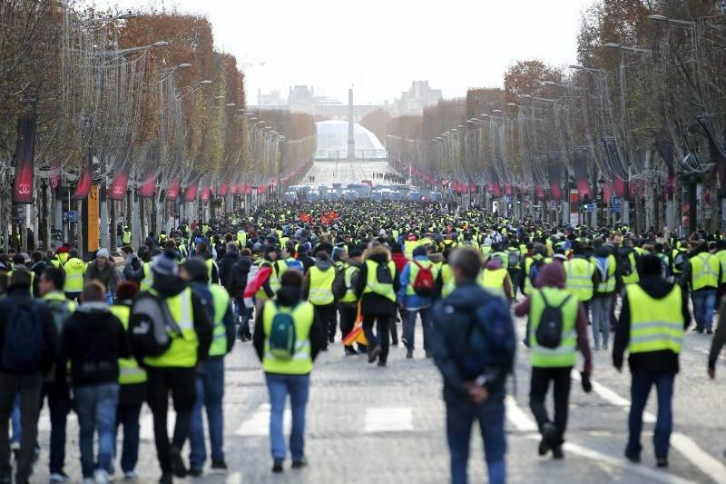 Protesta multitudinaria de los chalecos amarillos