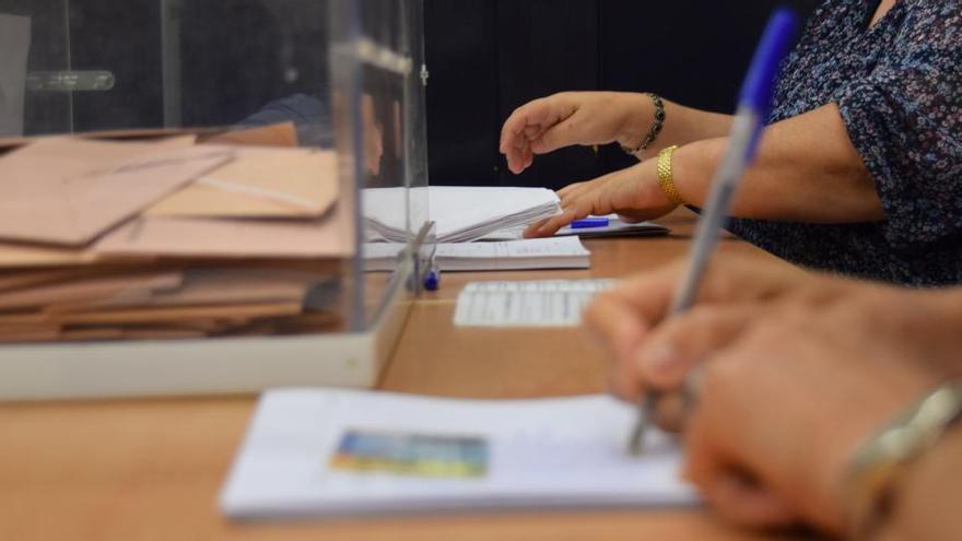 La JEC rechaza voluntarios para las mesas y avala usar suplentes de otras