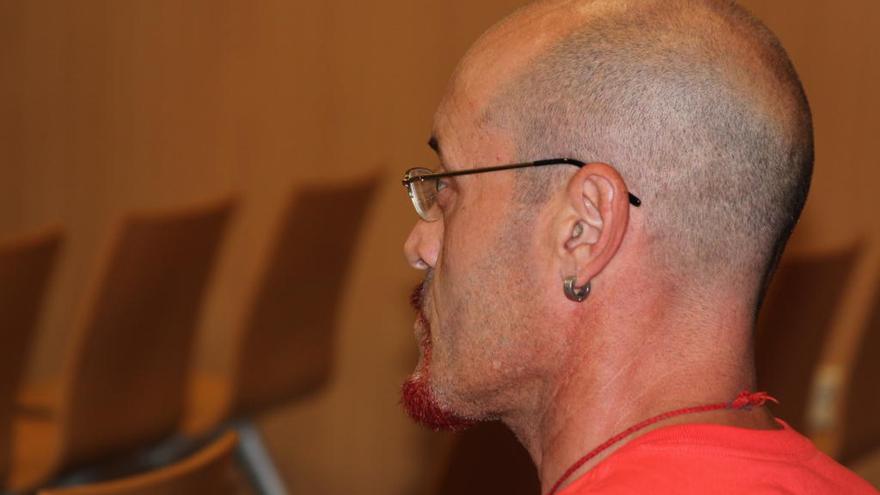 El asesino de un sintecho es condenado a trece años por intentar matar a hachazos a la dueña de un bar