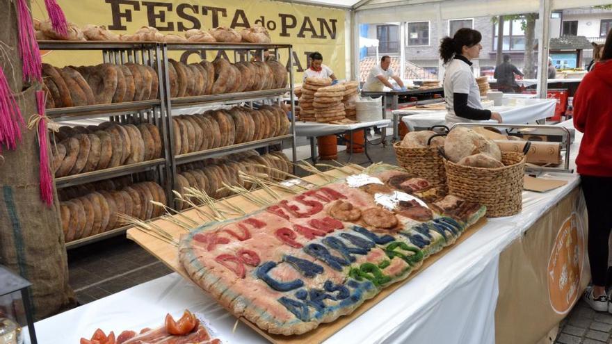 Carral asegura el relevo a los panaderos en la Festa do Pan