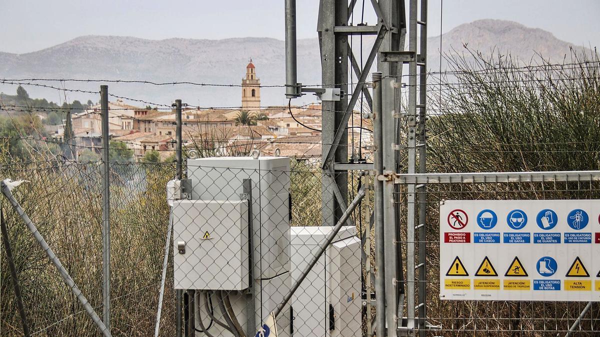 El municipio de Benillup tiene una antena para unsolo operador.