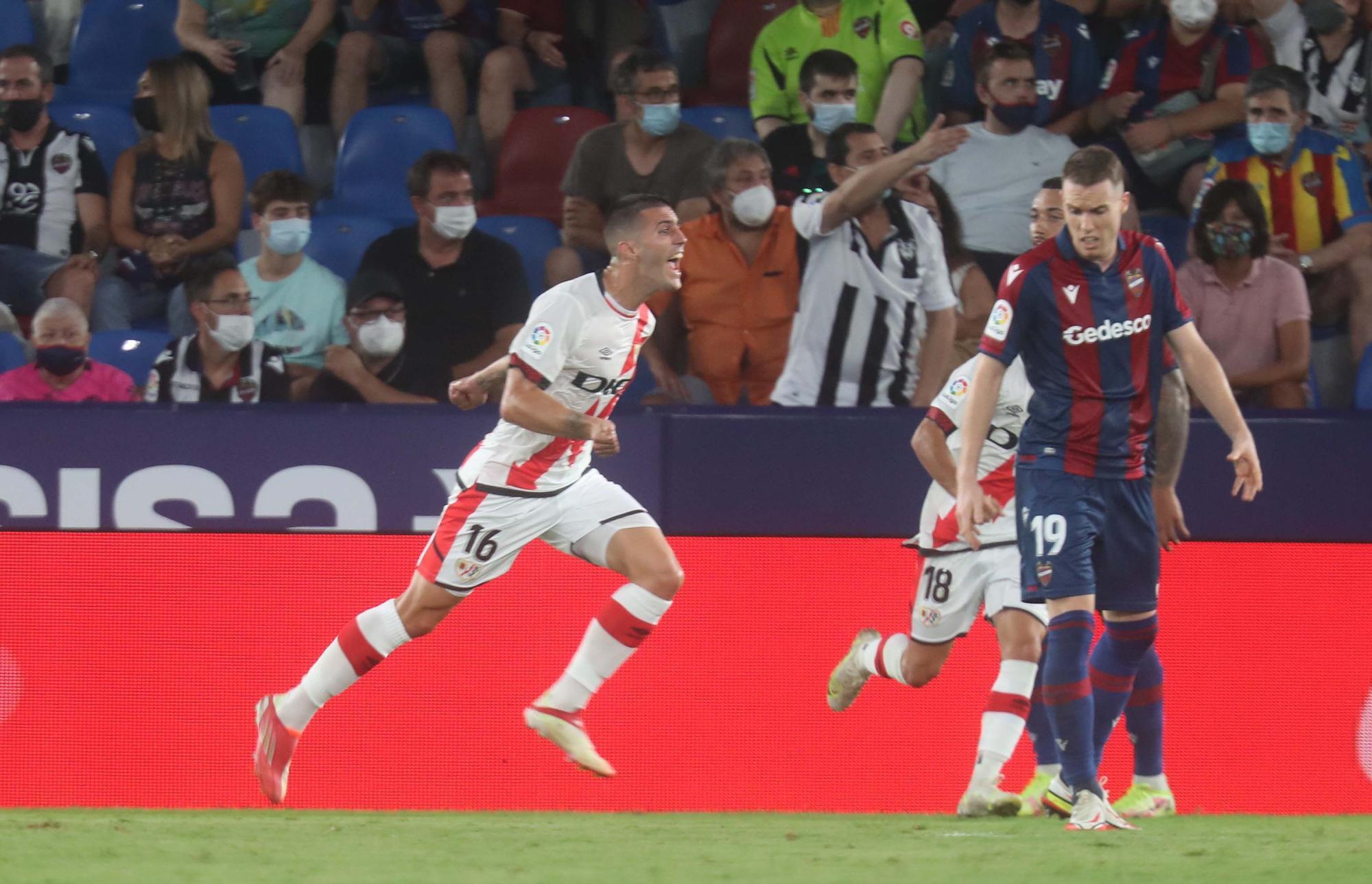 Levante UD - Rayo Vallecano en imágenes
