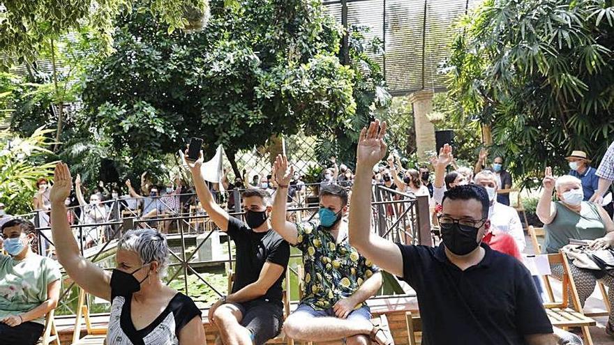Los afines a la ejecutiva de Més ganan en València y los críticos se hacen fuertes en Safor y Ribera