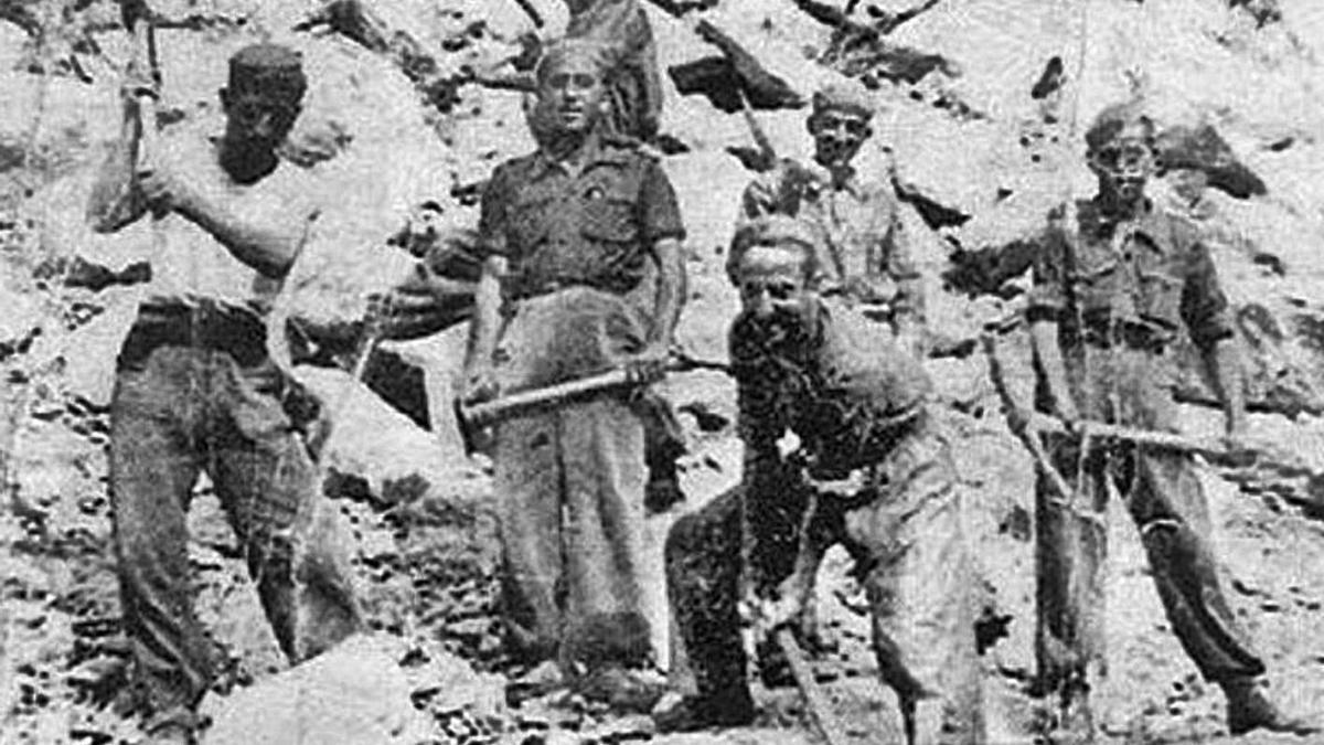 Trabajadores forzados del franquismo en las minas de Almadén (Ciudad Real). | LEVANTE-EMV