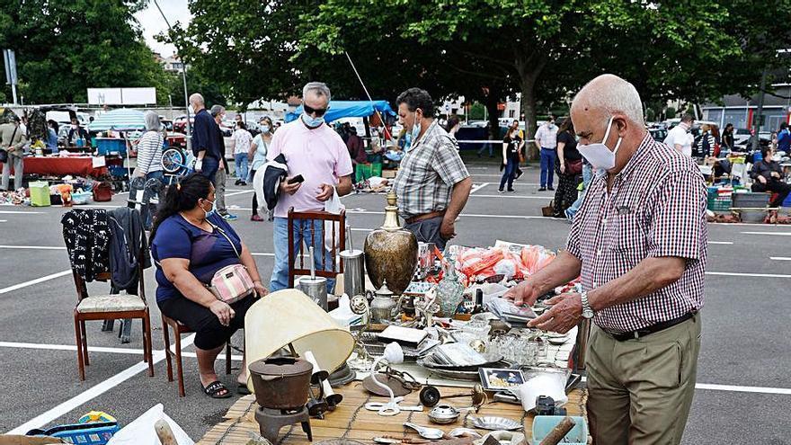 Los vendedores del rastro exigen volver al entorno de El Molinón