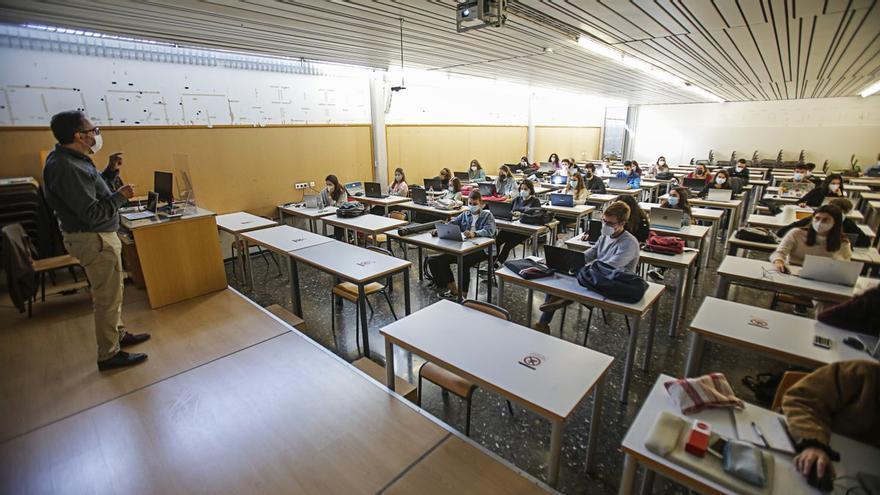 Las cinco carreras universitarias con más salidas profesionales en la Comunitat Valenciana
