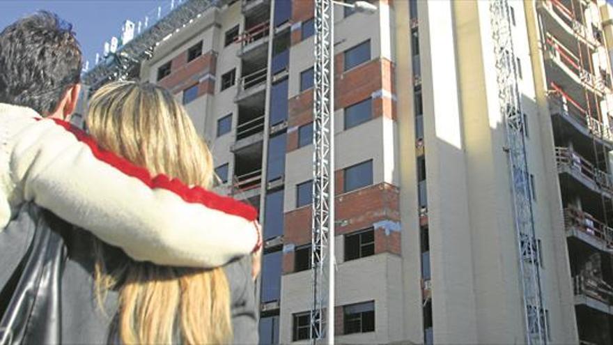 Un joven de Castellón necesita la mitad del sueldo para la vivienda
