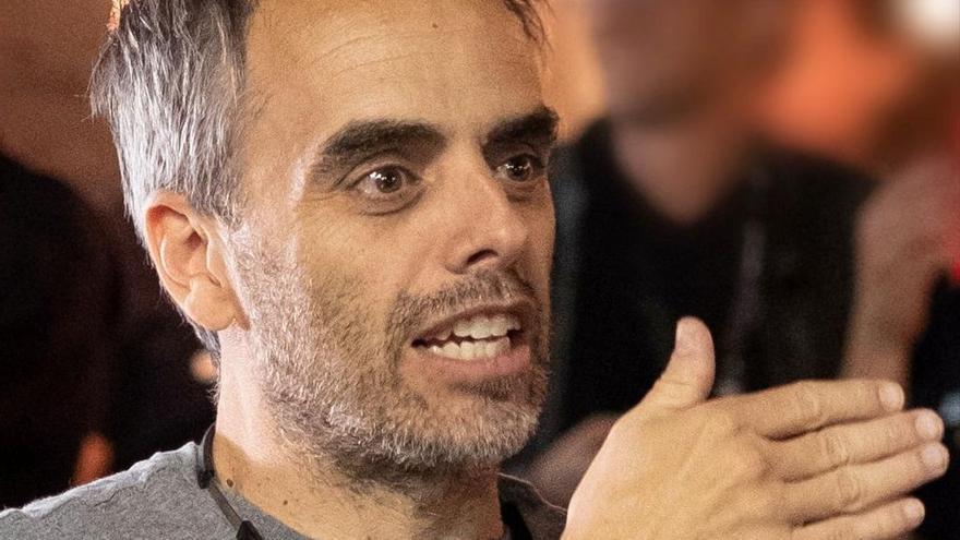 ¿Quien es Joel Souza, el director de cine herido de bala por Alec Baldwin?