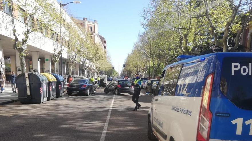 La avenida de Requejo de Zamora, cortada por un accidente de tráfico.