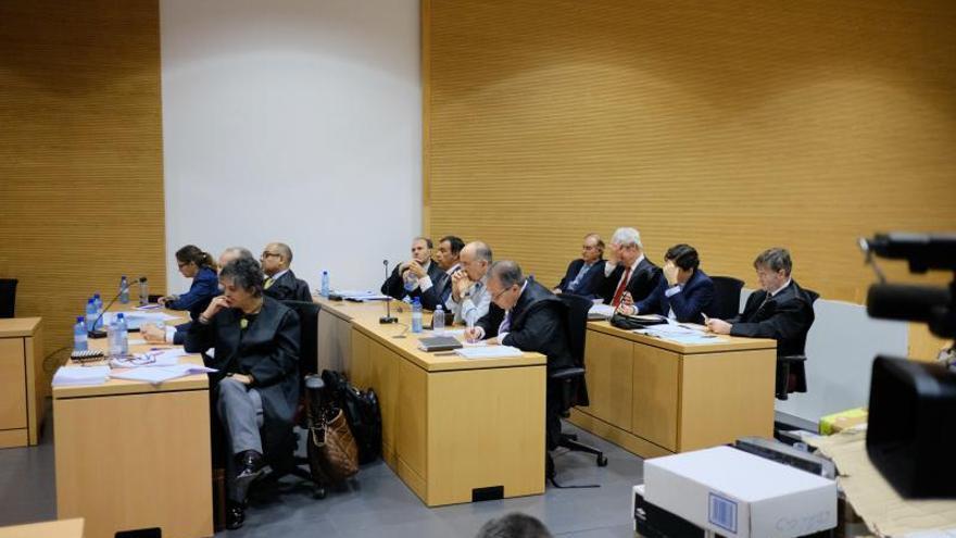 El fiscal rebaja la petición de penas a todos los acusados por el 'caso eólico'