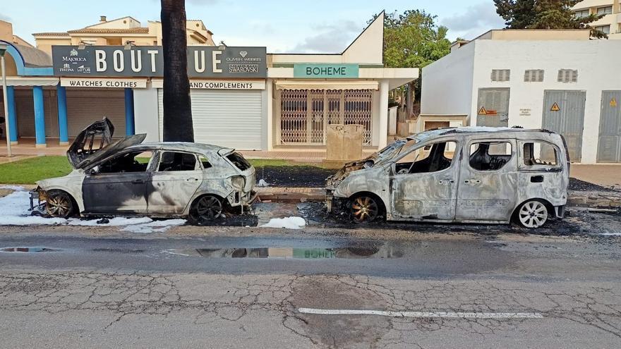 Detenido un pirómano por provocar tres incendios en coches y contenedores en sa Coma