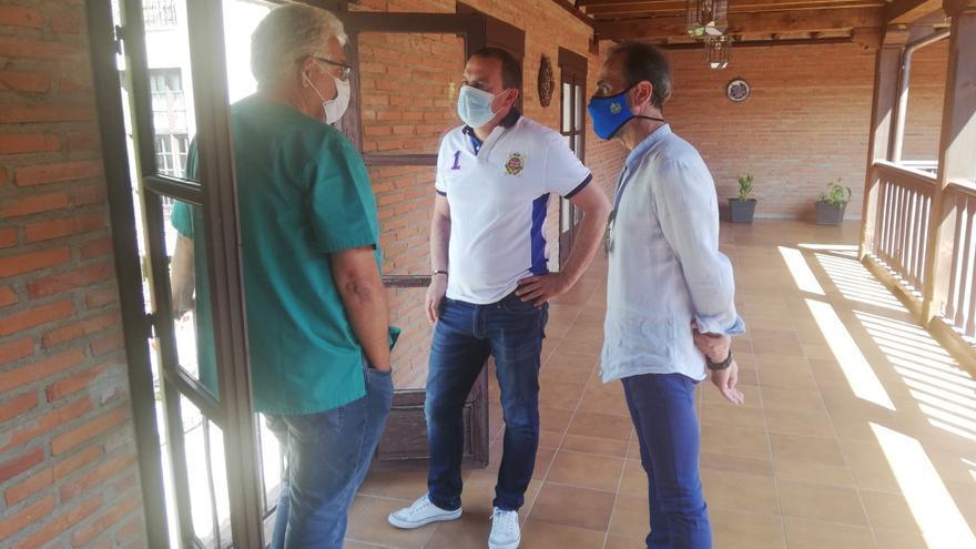 Toranzo informa a las autoridades provinciales sobre la situación del centro