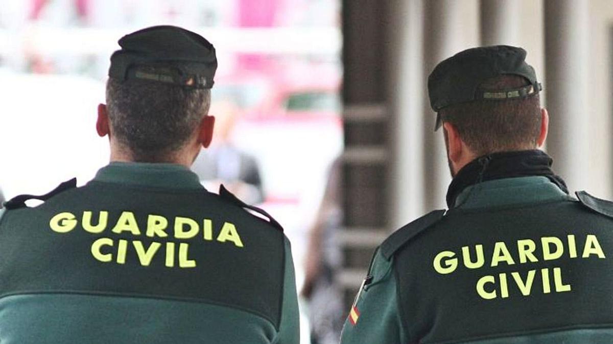 Guardias civiles. | | E.D.