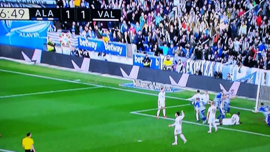 El gol del Alavés casi un minuto fuera de tiempo