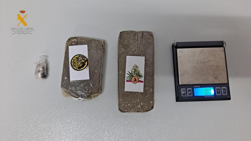 Detienen a un joven en Lucena con 175 gramos de hachís en una mochila