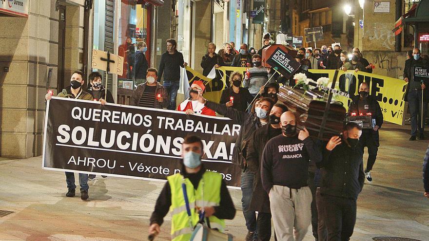 """La hostelería suma apoyos en su lucha contra el cerrojazo: """"Todos perdemos"""""""