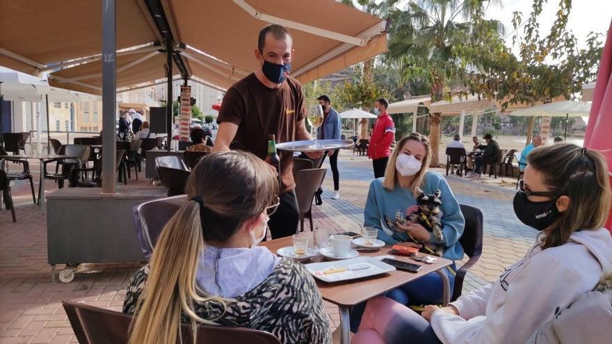 Los hosteleros de la Región creen que el toque de queda fomenta cenas clandestinas