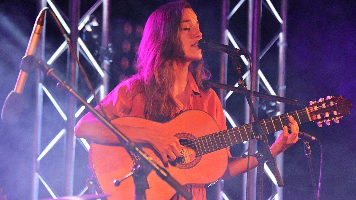 La cantant Judit Neddermann està previst que ofereixi el seu concert el primer dia de la festa.   DIARI DE GIRONA