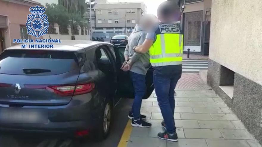 Detenido por agredir sexualmente a una mujer y amenazarla con un hacha en Elda