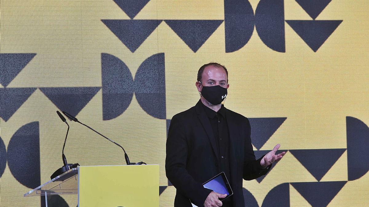 El director de València Capital Mundial del Diseño, Xavi Calvo, durante la presentación del programa y líneas estratégicas. | J.M. LÓPEZ