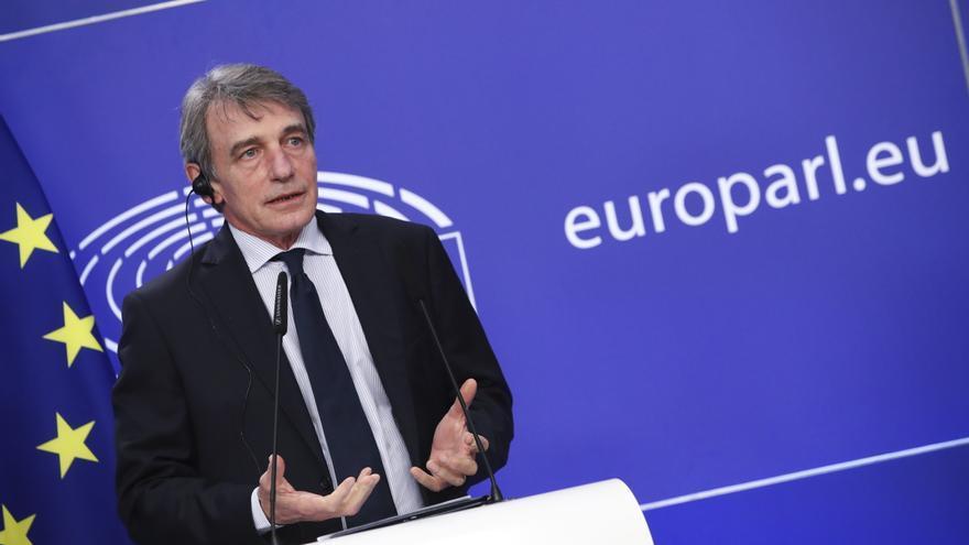 """La Eurocámara pide a Rusia que sus tropas den un """"paso atrás"""" en la frontera con Ucrania"""