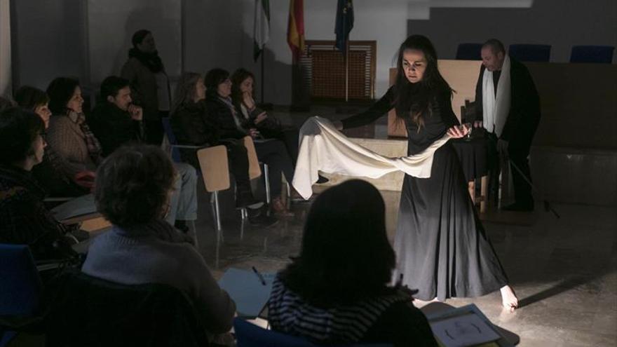 Los estudiantes defienden desde las aulas los derechos de las mujeres