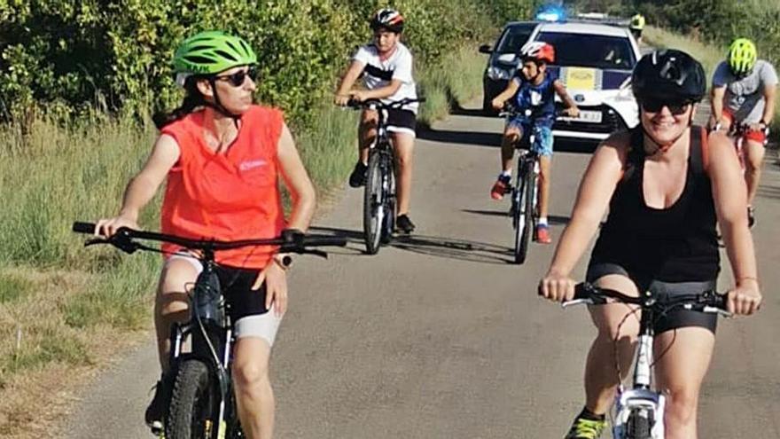 Favara reivindica el uso  de la bicicleta a pedaladas