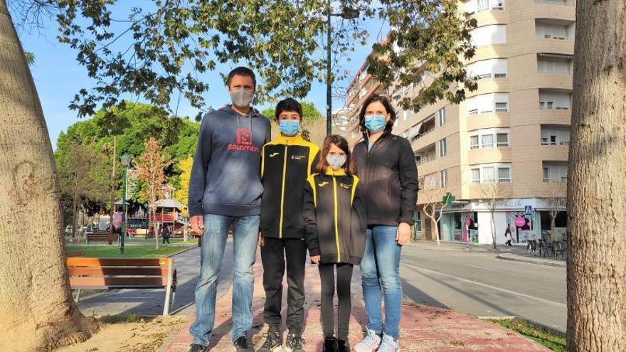 La familia deportista del  Club d'Atletisme Safor Teika