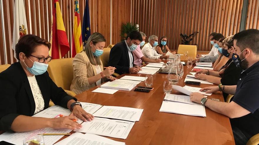 Vox respalda al bipartito en la bajada de impuestos a grandes empresas en Alicante
