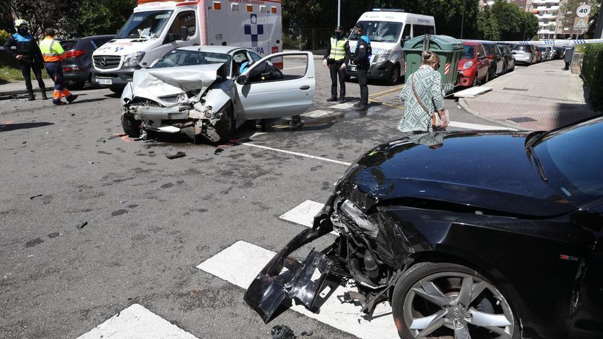 Un herido tras una colisión frontal en el polígono de La Magdalena, en Avilés